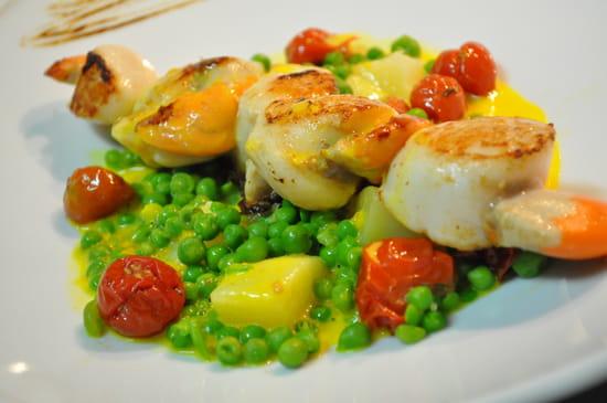 D lys  - Brochette de Saint Jacques, velouté de poisson et jardinière de légumes -   © Restaurant D lys