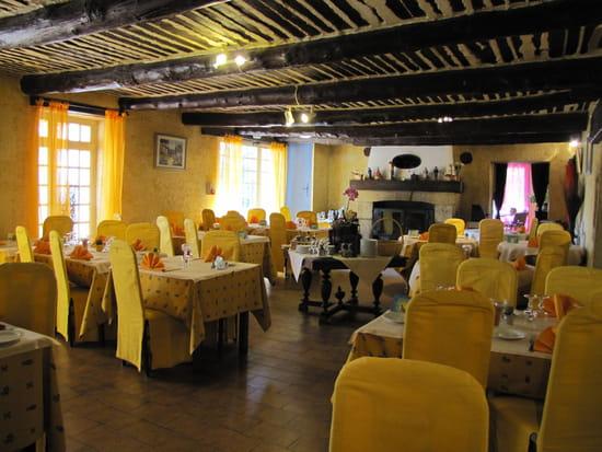 domaine de roquerousse restaurant proven al salon de provence avec linternaute. Black Bedroom Furniture Sets. Home Design Ideas