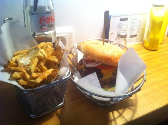 , Restaurant : Dubrown - Burger Café