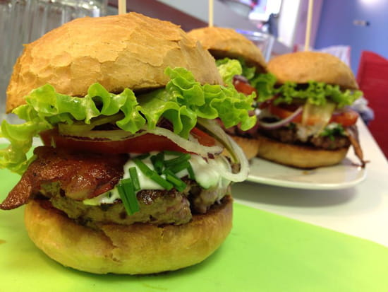 EAT-N-GO  - Des burgers 100% produits frais ! -