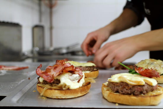 Edmond Pure Burger   © Edmond Pure Burger