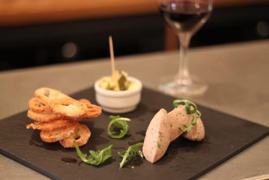 Etrillum  - Rillettes de canard, toasts et légumes aigre-doux. -   © Virginie C
