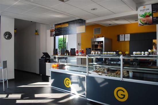 Gustum  - salle restaurant -   © L. Reynaud