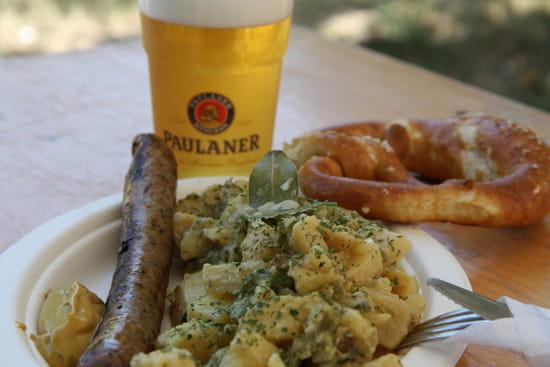 Hansel et Bretzel  - Kartoffelsalat et Bratwurst -   © Fabian BRILLAUD