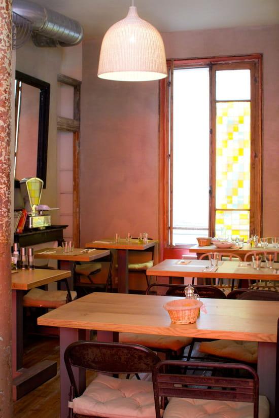 Hope Café  - salle du fond -   © elodie