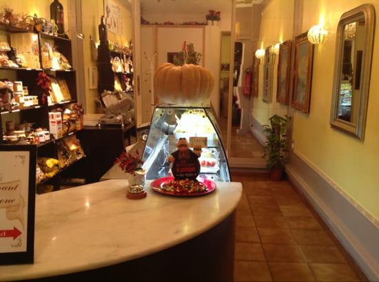 , Restaurant : Il Barone  - La boutique du restaurant -