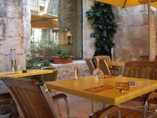 jardin des arts restaurant italien arles avec l 39 internaute. Black Bedroom Furniture Sets. Home Design Ideas