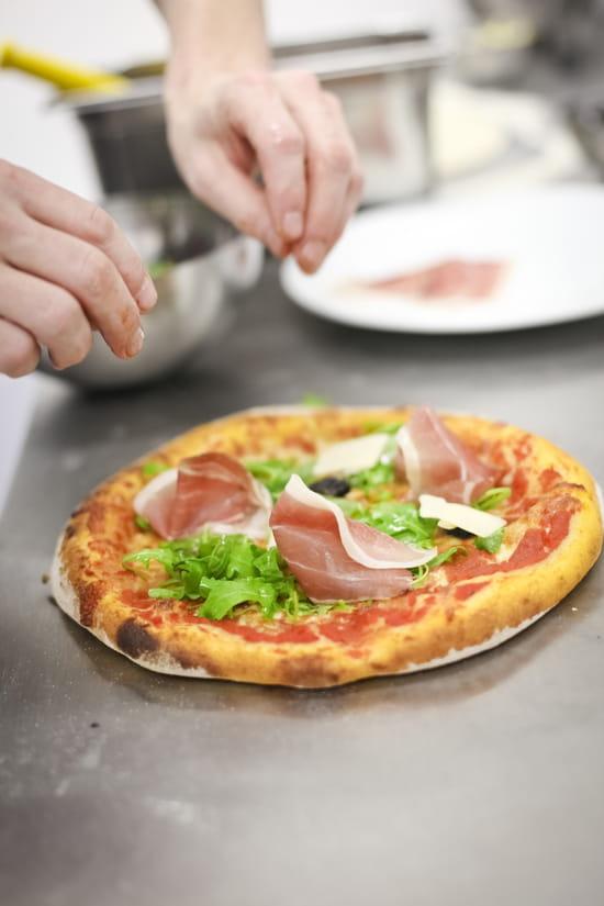 Kera Pizzeria Restaurant