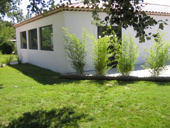 L 39 annexe restaurant proven al salon de provence avec for Vive le jardin salon de provence horaires