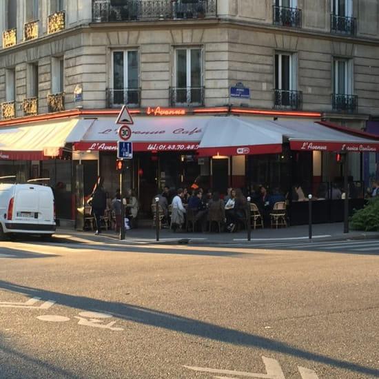 L'Avenue Café