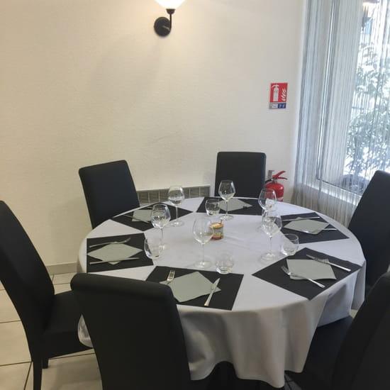 , Restaurant : L'Entre 2  - Salle restaurant  -
