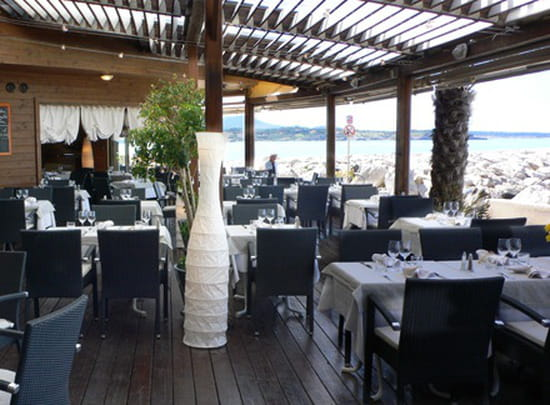 l 39 esplanade restaurant proven al sanary sur mer avec linternaute. Black Bedroom Furniture Sets. Home Design Ideas
