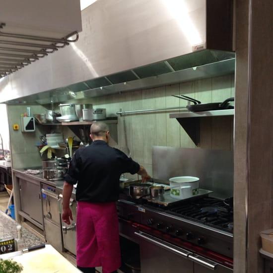 , Restaurant : L'etoile des mer  - Le chef vous cuisine vos poissons.. Devant vous. -