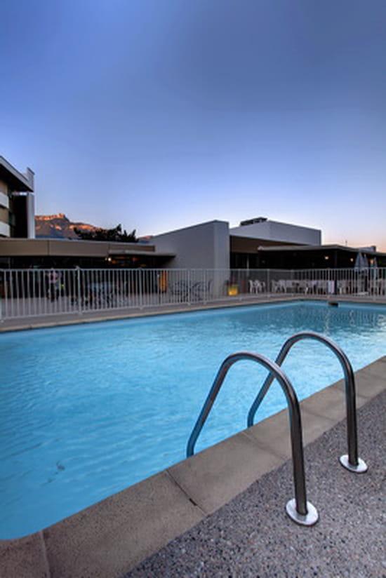 L'Evencio - Best Western Alexander Park ***  - La piscine de l'hotel BestWestern Alexander park *** -   © alexanderpark chambery savoie france
