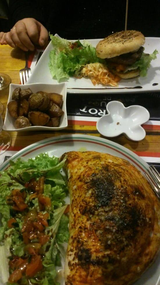, Plat : L'Italien  - Super calzone et burgers maison -