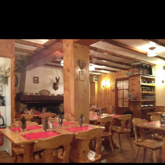 , Restaurant : L'Oule Rouge