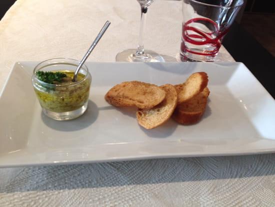 , Entrée : La cantine du 7  - Mise en bouche tapenade olive -