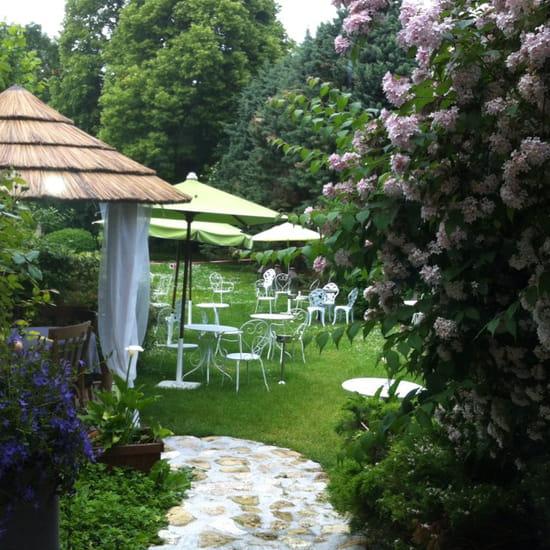 , Restaurant : La Case de Babette  - Côté jardin  -