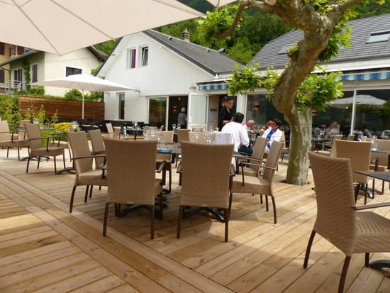 La Cuillère à Omble Café Restaurant  - la terrasse -   © Patrick