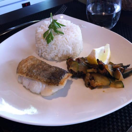 , Plat : La Fleur de Thym  - Pavé de poisson et son riz menu enfant  -