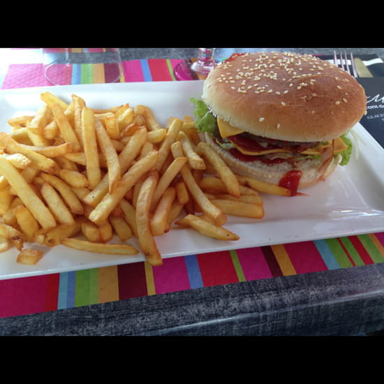 , Plat : La Marina  - Le burger bacon. Miam -