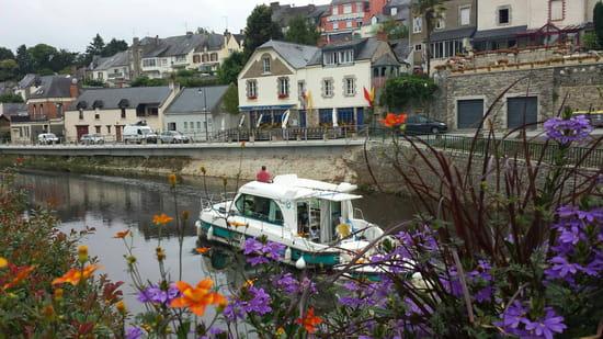 , Restaurant : La Marine  - Au bord du canal de Nantes à Brest -