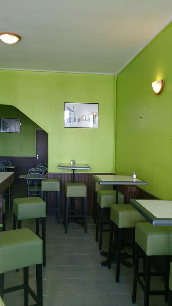 la petite fringale restaurant de cuisine traditionnelle saint nazaire avec linternaute. Black Bedroom Furniture Sets. Home Design Ideas