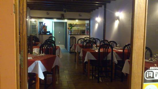 La Pomme de Pin  - Salle de restaurant -