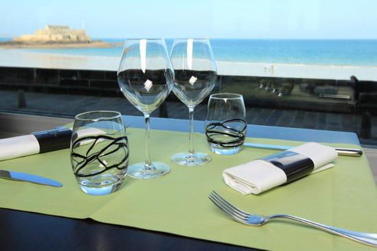 La Table d'Henri  - vue mer de la Table d'Henri -   © panoramix