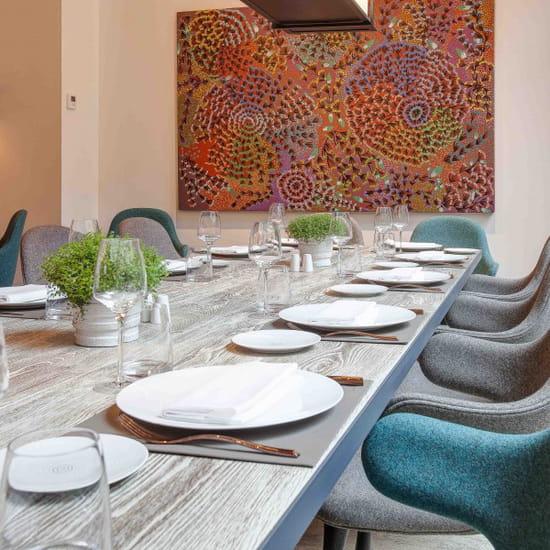 la table de balthazar restaurant de cuisine. Black Bedroom Furniture Sets. Home Design Ideas