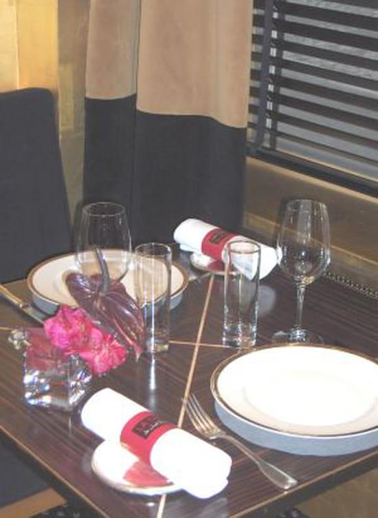 La table de jo l robuchon restaurant gastronomique - Decoration table restaurant gastronomique ...