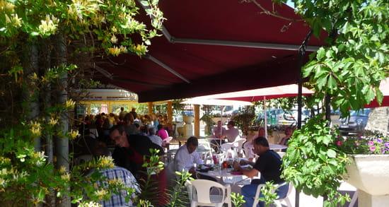 La Table de Magda  - terrasse découverte -   © barbry