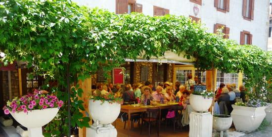 La Table de Magda  - sur la place du mas d'azil -   © barbry09