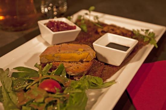 La Table de Savoie et la Table de Bretagne  - La Délicieuse (Duo de foie gras, Mi-cuit, poêlé, oignons confits, réduction balsamique) -