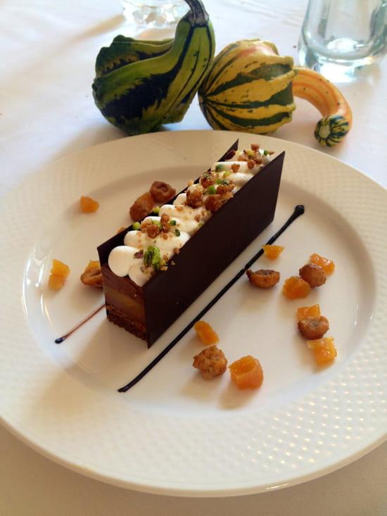 La Table des Chefs - Château Le Saz  - feuillantine au chocolat, mousse, orange confite -   © château LE SAZ