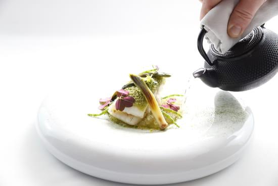 La Table Saint Crescent  - Plat, le turbot snacké au combava - Carte Automne 2016 -   © Le Petit Gastronome