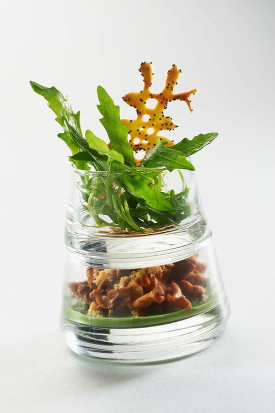 La Tivollière (Saint Marcellin)  - Crumble de girolles, coulis de persille et salade de roquette à l'huile d'olive.  -