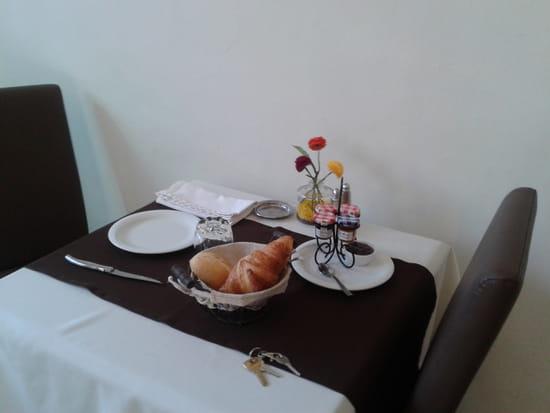 La Truffière  - Les tables du restaurant LA TRUFFIERE -   © Isabelle Petiet
