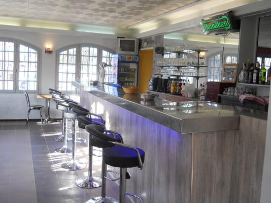 La Vitarelle  - le bar -   © josiane bonnel