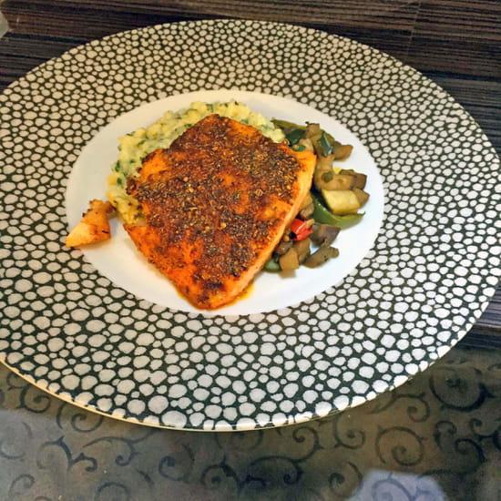 Le 247  - Dos de saumon bio en croûte d'épices Cajun, risotto aux herbes -   © Best Western Europe Hôtel****