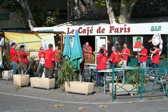 Le Café de Paris  - Animation l'été -