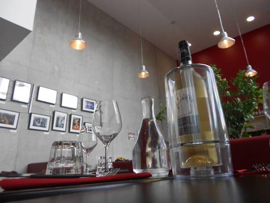 Le Café Lumière