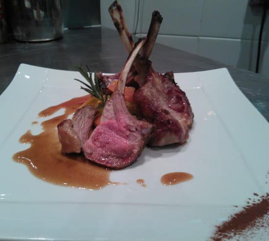 Le Carré Restaurant  - Pensez à réserver 0130645025 -
