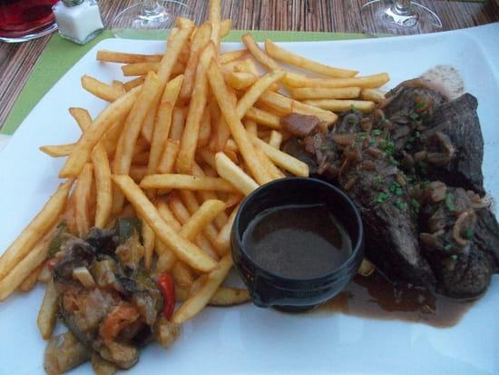 Le Caveau Gourmand  - Onglet de boeuf à l'échalotte -   © jean-marc