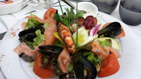 , Entrée : Le César  - Salade de la mer  -