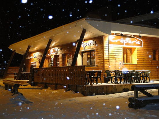 , Restaurant : Le Chalet Chamrousse  - Hiver, vue extérieure. -