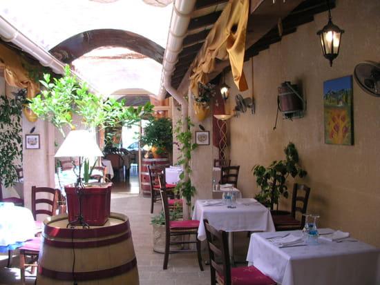 le clos des vignes restaurant proven al castillon du