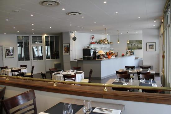 Le Come Back  - Le bar vu depuis la salle -   © restaurant-come-back