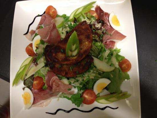 , Plat : Le comptoir  - Salade Normande au camembert pané -