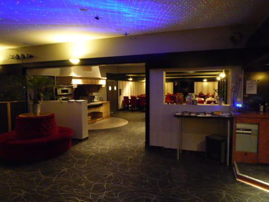 le corsicaveyron bar classique livers cazelles avec l. Black Bedroom Furniture Sets. Home Design Ideas